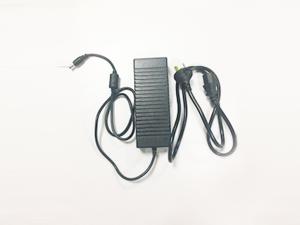 电源适配器